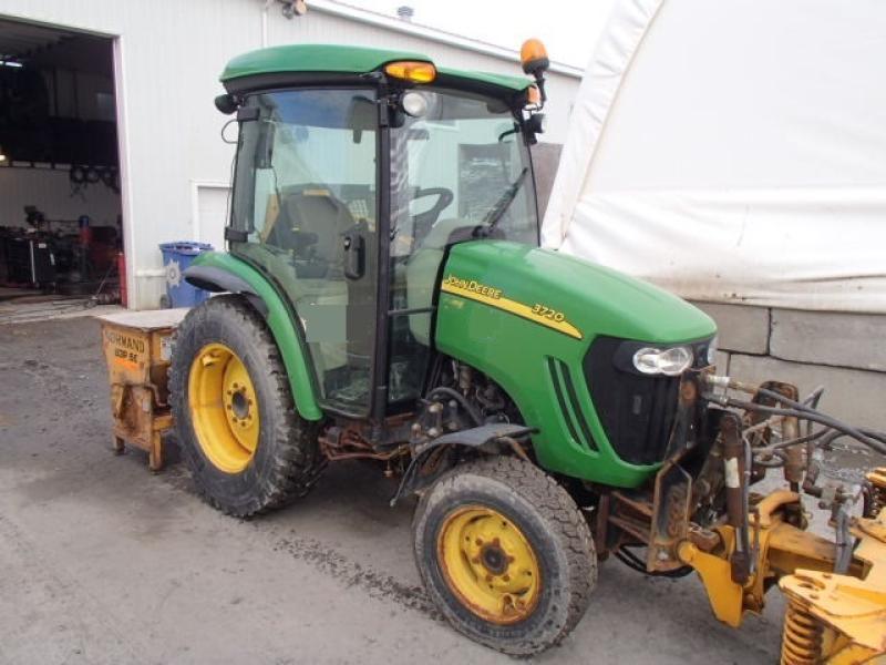 Tracteur agricole 4X4 John Deere 3720 2011 En Vente chez EquipMtl
