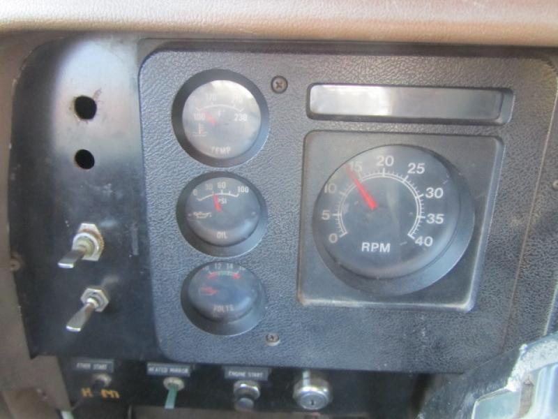 Camion à neige International 2375 1988 Équipement en vente chez EquipMtl