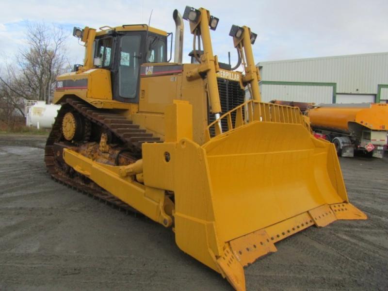 Tracteur à chaînes (21 tonnes et plus) Caterpillar D8R II 2004 En Vente chez EquipMtl