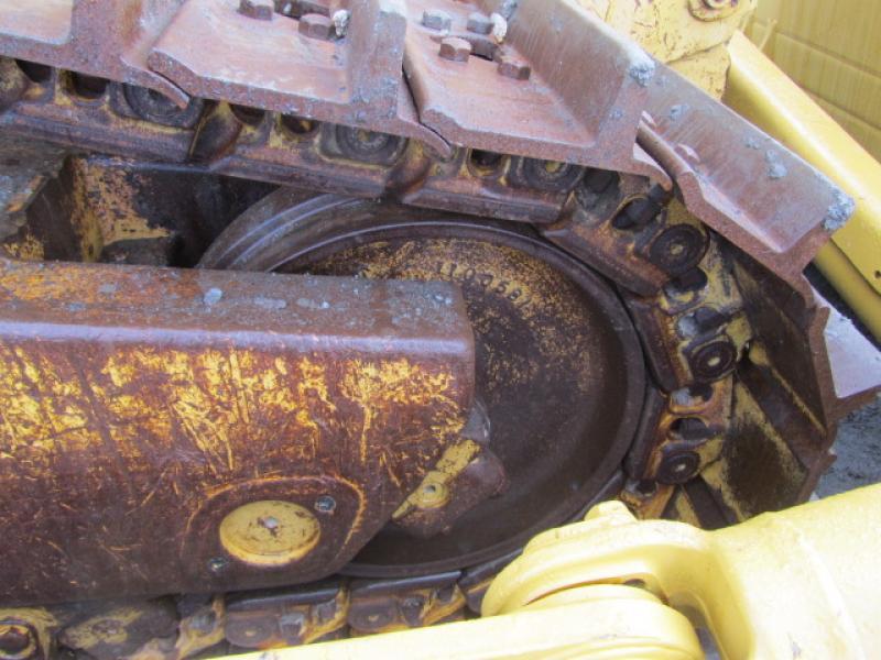 Tracteur à chaînes (21 tonnes et plus) Caterpillar D8R II 2004 Équipement en vente chez EquipMtl