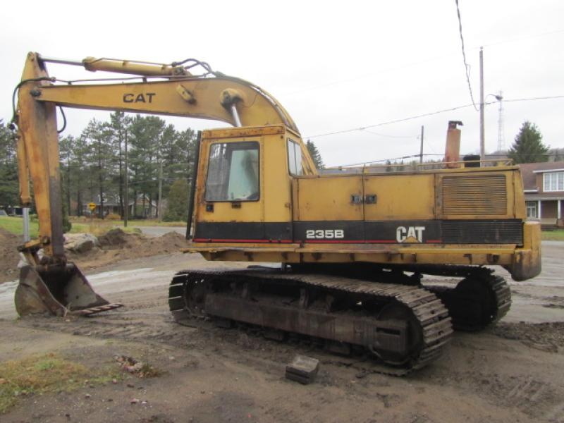 Excavatrice (40 tonnes et plus) Caterpillar 235B 1987 En Vente chez EquipMtl
