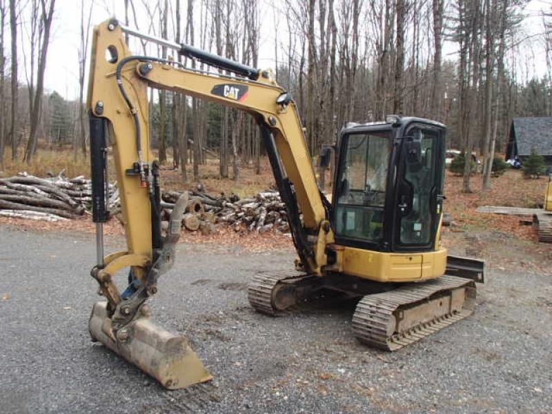 Excavatrice ( 8 tonnes et moins) Caterpillar 305.5D CR 2012 En Vente chez EquipMtl