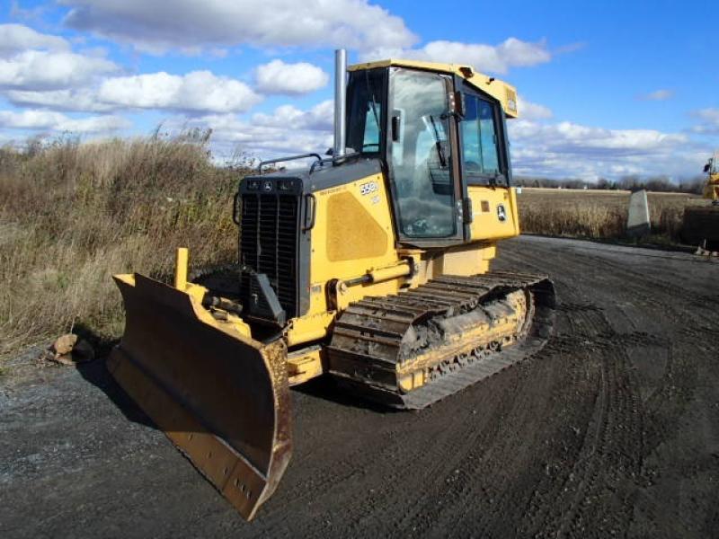 Tracteur à chaînes ( 0 à 9 tonnes) John Deere 550J LGP 2005 En Vente chez EquipMtl