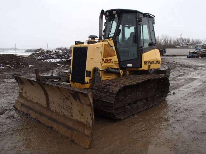 Tracteur à chaînes ( 0 à 9 tonnes) New Holland D85B LGP 2012 En Vente chez EquipMtl