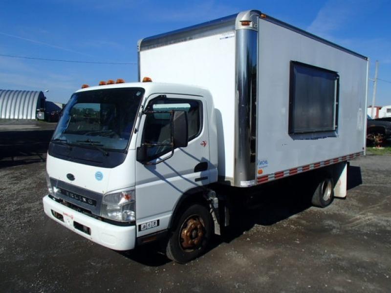 Camion-cube Sterling 360  2009 En Vente chez EquipMtl