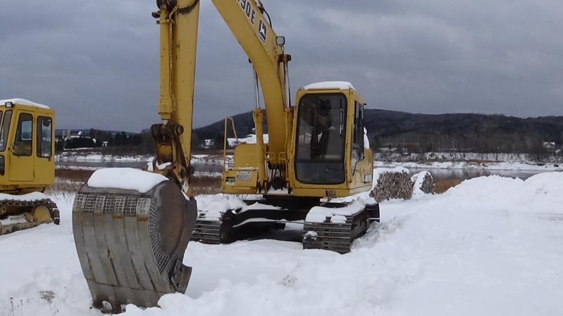 Excavatrice ( 9 à 19 tonnes) John Deere 490E 1993 En Vente chez EquipMtl