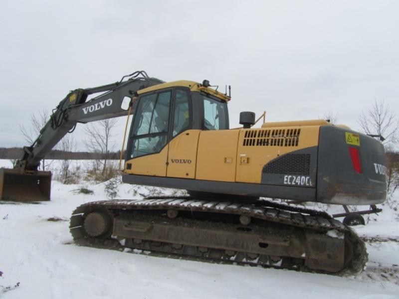 Excavatrice (20 à 39 tonnes) Volvo EC240CL 2011 En Vente chez EquipMtl