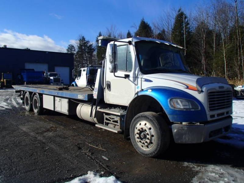 Remorqueuse Freightliner M2 106 2017 équipement