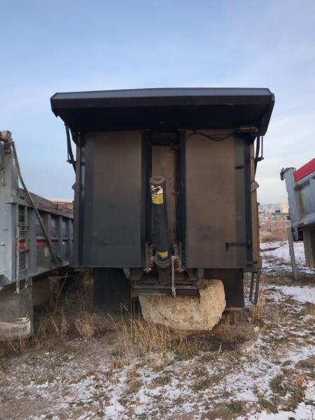 x) Attachement camion Lanau Boîte à gravier de 15' Équipement en vente chez EquipMtl