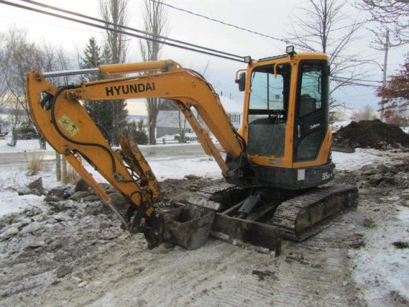 Excavatrice ( 8 tonnes et moins) Hyundai Robex 35Z-9 2015 En Vente chez EquipMtl