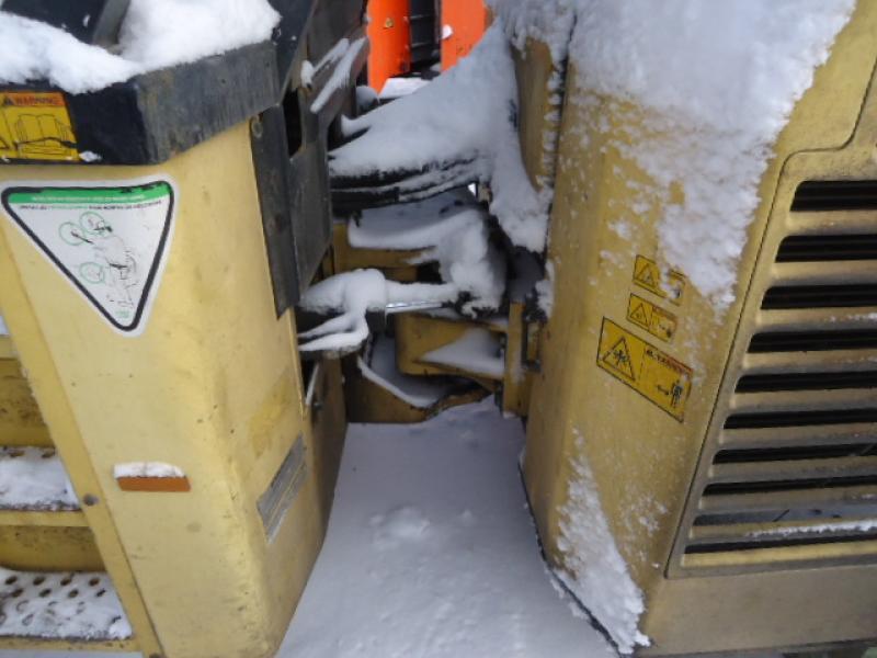 Rouleau asphalte combiné Dynapac CC422CHF 2007 Équipement en vente chez EquipMtl