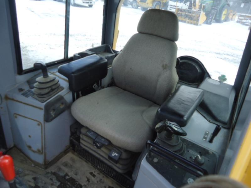 vendu John Deere 450H LGP 2001 Équipement en vente chez EquipMtl