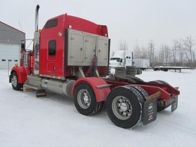 Camion Tracteur 10 roues couchette Kenworth W900L 2012 Équipement en vente chez EquipMtl