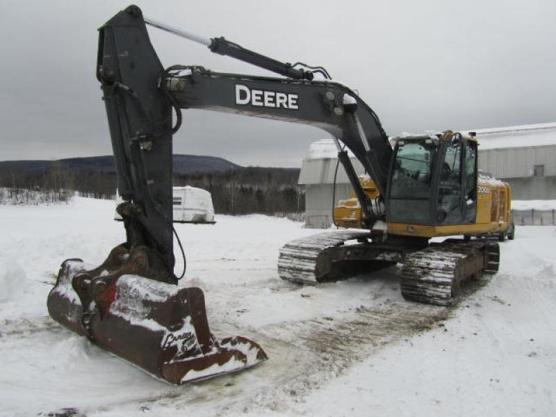 Excavatrice (20 à 39 tonnes) John Deere 200D LC 2012 En Vente chez EquipMtl