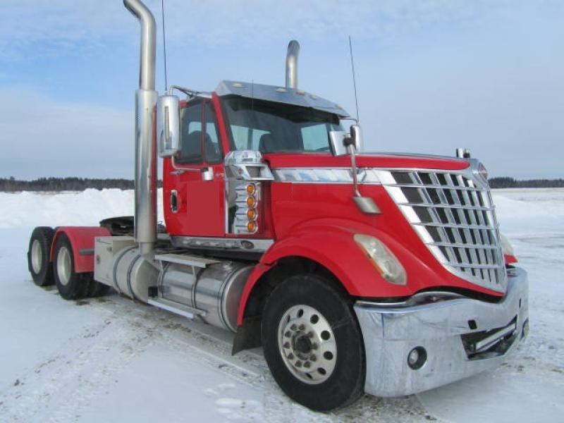 Camion tracteur 10 roues Day Cab International Lonestar SFA 6X4 2011 En Vente chez EquipMtl