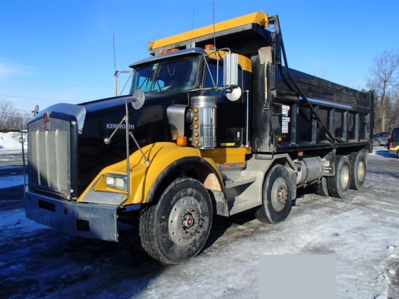 Camion dompeur 12 roues Kenworth T800 2004 En Vente chez EquipMtl