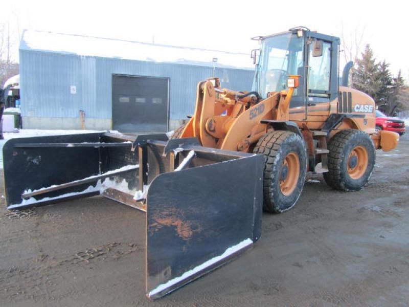 Chargeur sur roues (5 à 30 tonnes) Case 521D 2002 En Vente chez EquipMtl