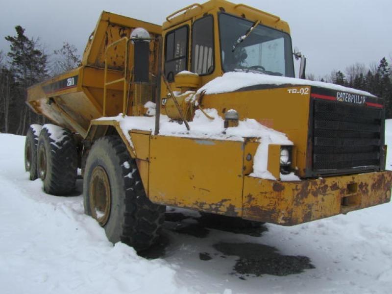 Camion articulé Caterpillar D250D 1993 En Vente chez EquipMtl