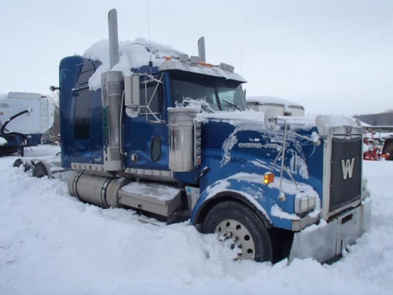 Camion Tracteur 10 roues couchette Western Star 4900 EX 2006 Équipement en vente chez EquipMtl
