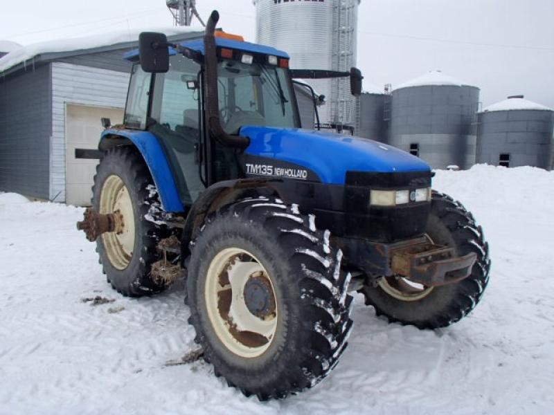 Tracteur agricole 4X4 New Holland TM135 2002 équipement