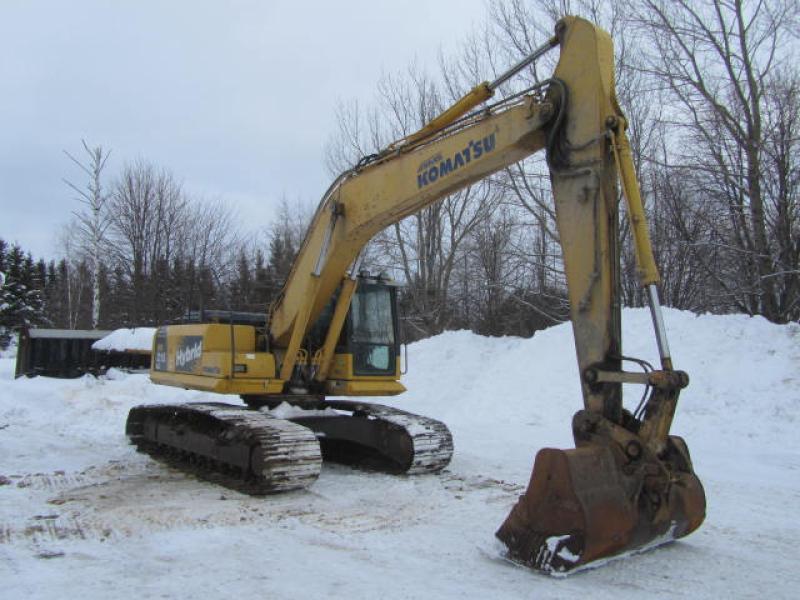 Excavatrice (20 à 39 tonnes) Komatsu HB215LC-1 2011 En Vente chez EquipMtl