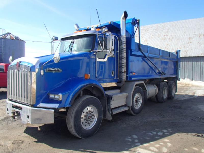 Camion dompeur 12 roues Kenworth T800 2009 En Vente chez EquipMtl
