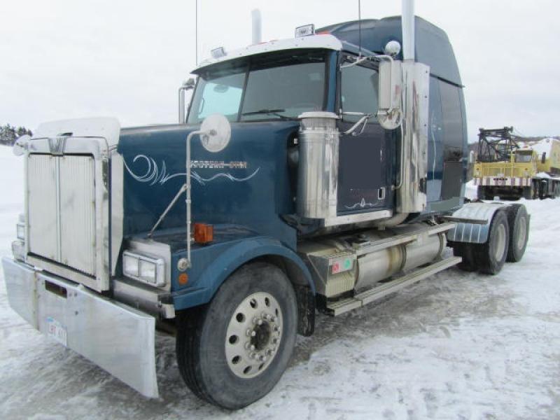 Camion Tracteur 10 roues couchette Western Star 4900 1999 En Vente chez EquipMtl