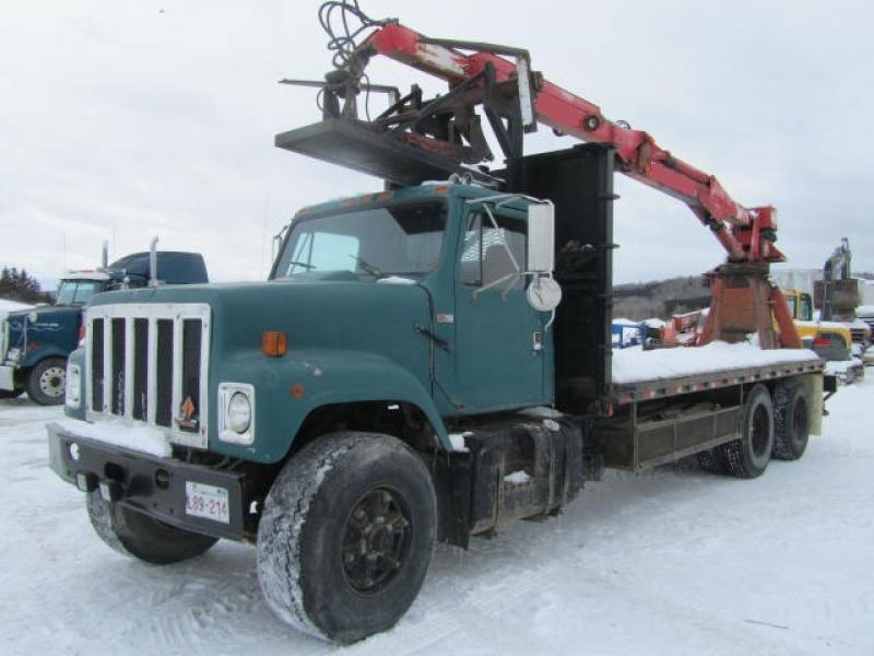 Camion grue International 2570 1989 En Vente chez EquipMtl