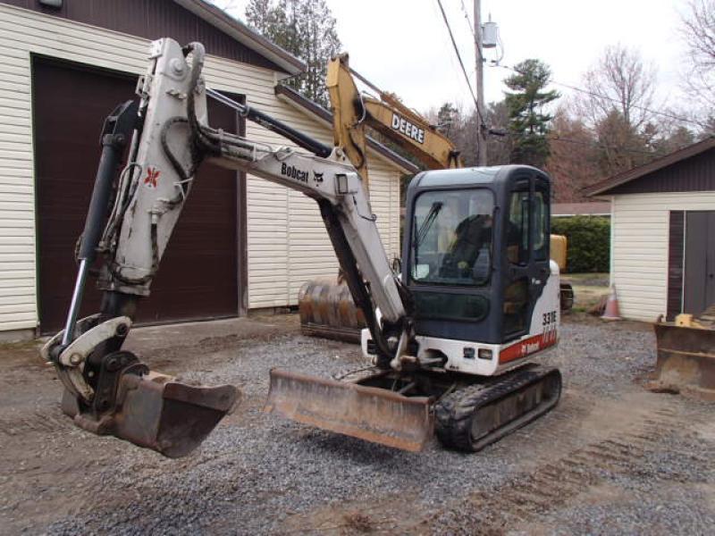 Excavatrice ( 8 tonnes et moins) Bobcat 331EG 2005 En Vente chez EquipMtl