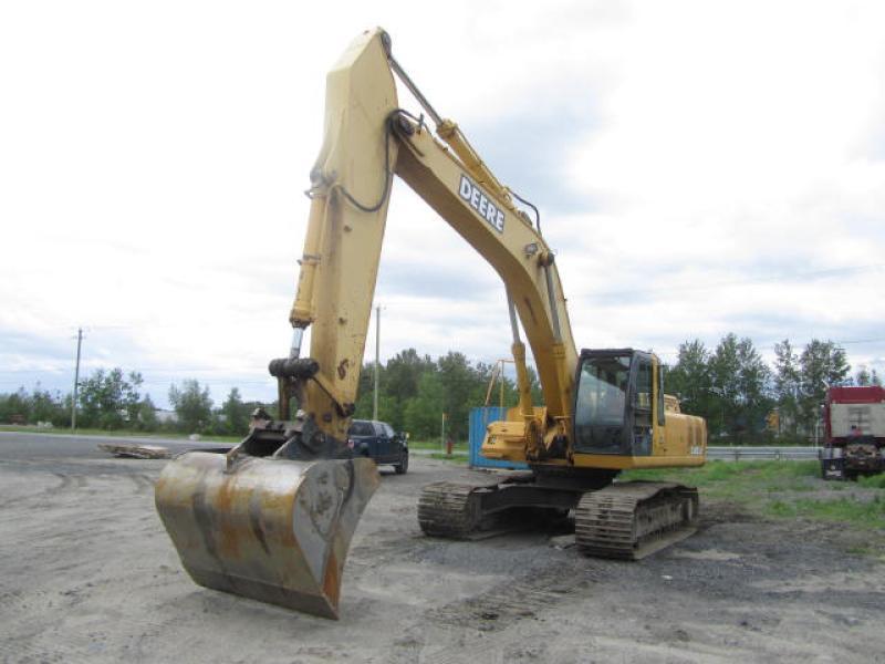 Excavatrice (20 à 39 tonnes) John Deere 330LC 2003 En Vente chez EquipMtl