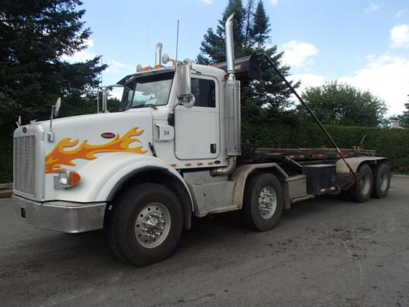 Camion roll-off Peterbilt 357 2005 En Vente chez EquipMtl