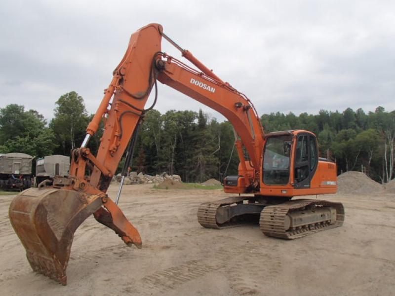 Excavatrice ( 9 à 19 tonnes) Doosan DX180LC 2009 En Vente chez EquipMtl