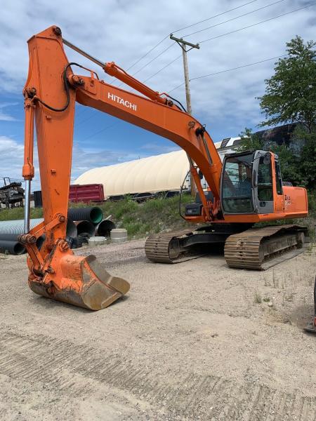 Excavatrice (20 à 39 tonnes) Hitachi ZX200LC-3 2003 En Vente chez EquipMtl