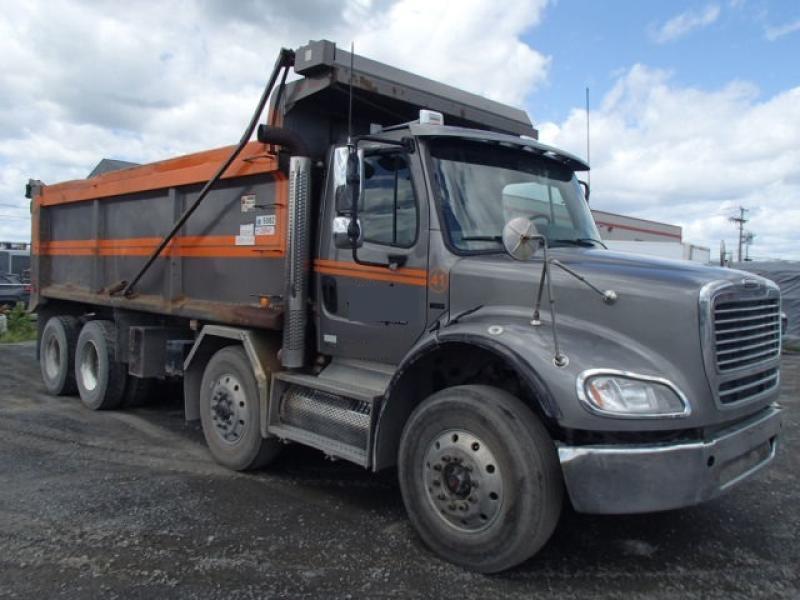 Camion dompeur 12 roues Freightliner FM2 112 2009 En Vente chez EquipMtl