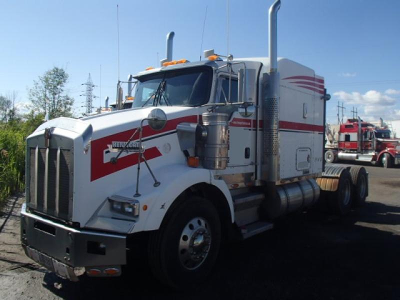 Camion Tracteur 10 roues couchette Kenworth T800 2005 En Vente chez EquipMtl