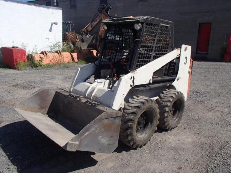 Chargeur compact moins de 5 tonnes Melroe Bobcat 751 1998 En Vente chez EquipMtl