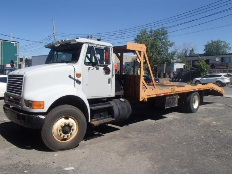 Camion plateforme International 8100 1991 En Vente chez EquipMtl