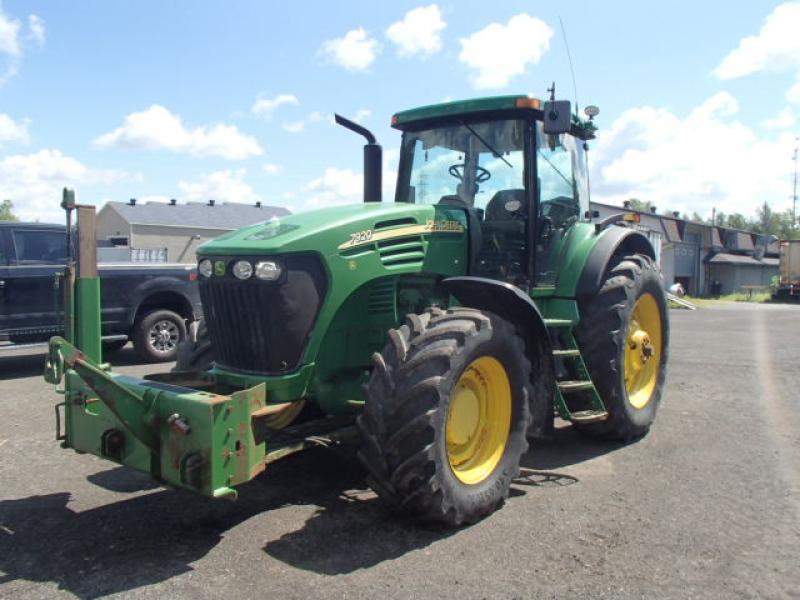 Tracteur agricole 4X4 John Deere 7920 2004 En Vente chez EquipMtl