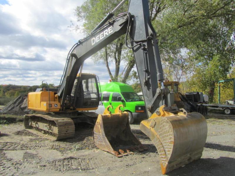 Excavatrice ( 9 à 19 tonnes) John Deere 160C LC 2002 En Vente chez EquipMtl