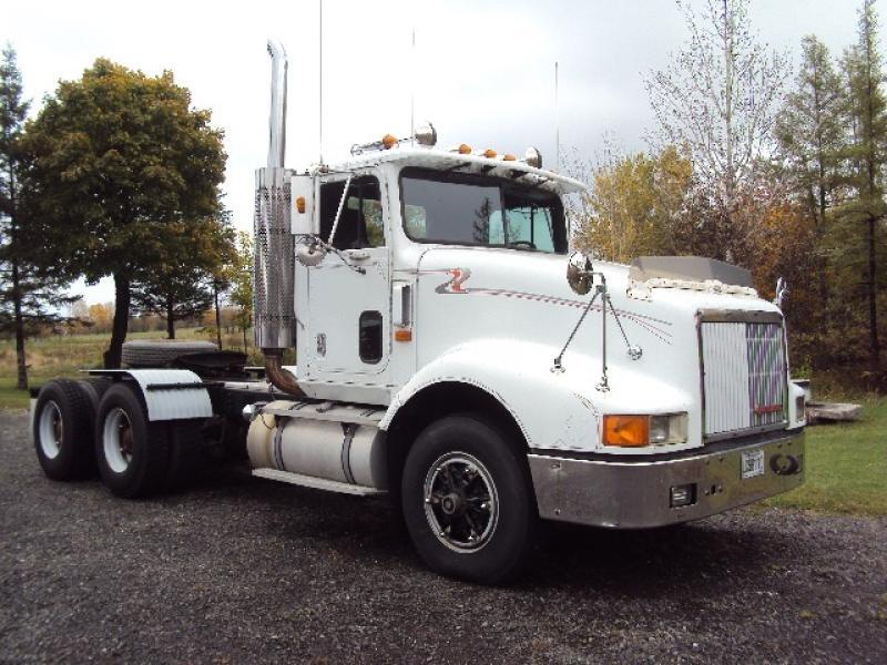 Camion tracteur 10 roues Day Cab International 9400 1992 En Vente chez EquipMtl