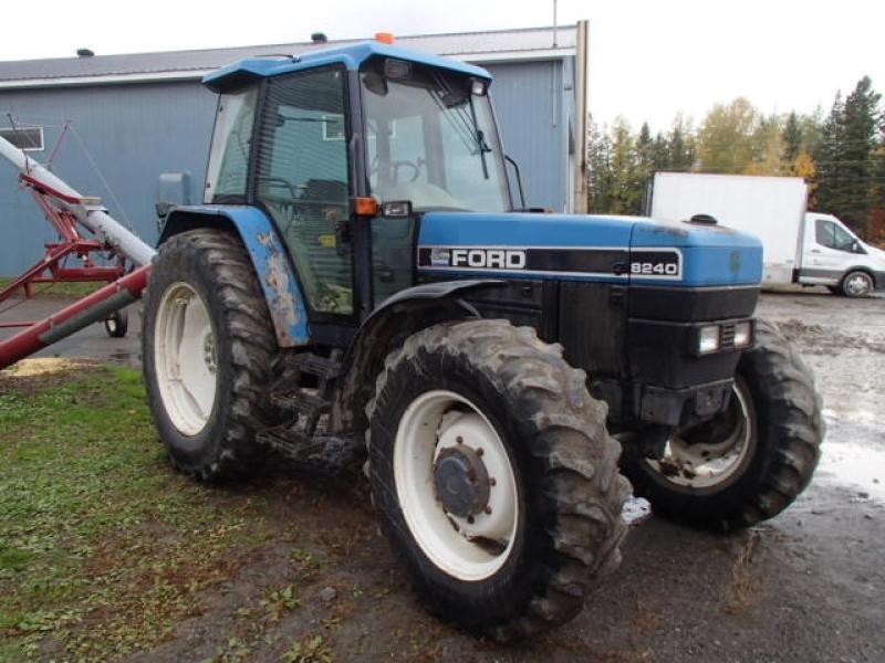 Tracteur agricole 4X4 Ford 8240 1995 En Vente chez EquipMtl