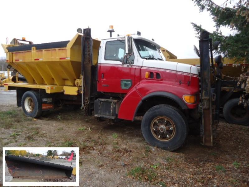 Camion à neige Sterling L8500 2000 En Vente chez EquipMtl