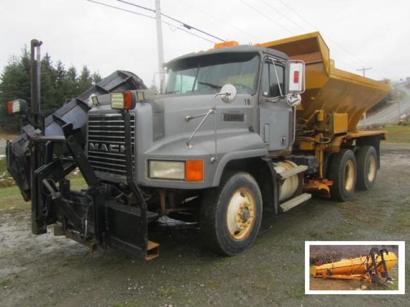Camion à neige Mack CH613 1997 En Vente chez EquipMtl