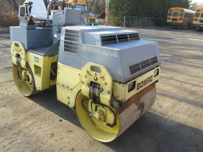 Rouleau asphalte double vibrant Bomag BW100AD-3 1997 En Vente chez EquipMtl