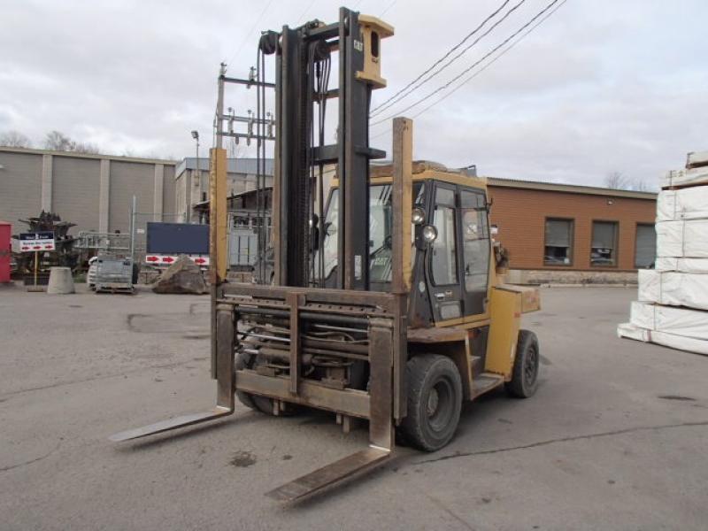 Chariot élévateur Caterpillar DP70 2003 En Vente chez EquipMtl