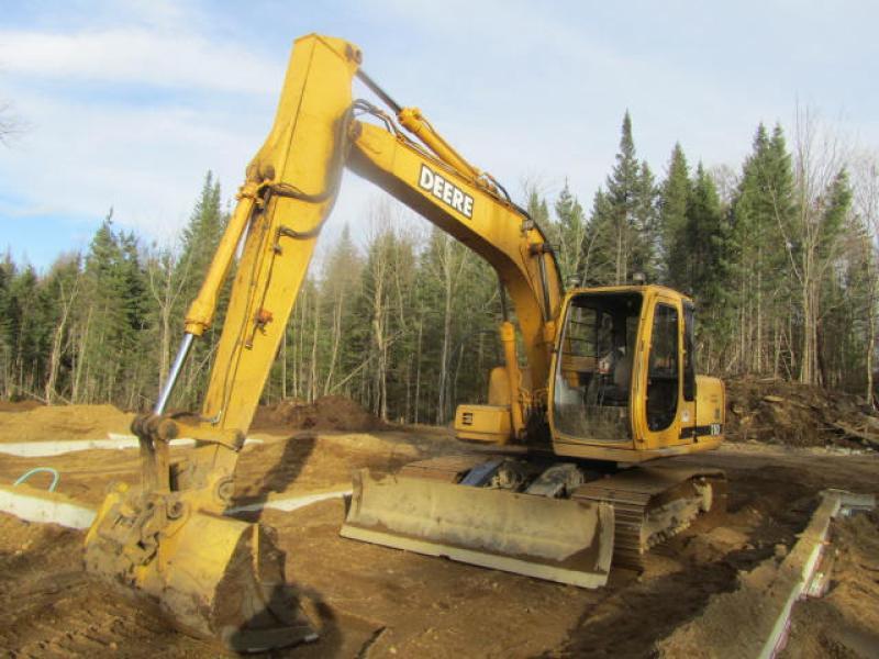 Excavatrice ( 9 à 19 tonnes) John Deere 110 2000 En Vente chez EquipMtl