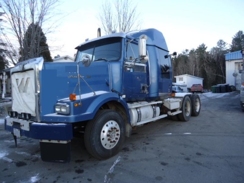 Camion Tracteur 10 roues couchette Western Star 4964 SX 2000 En Vente chez EquipMtl