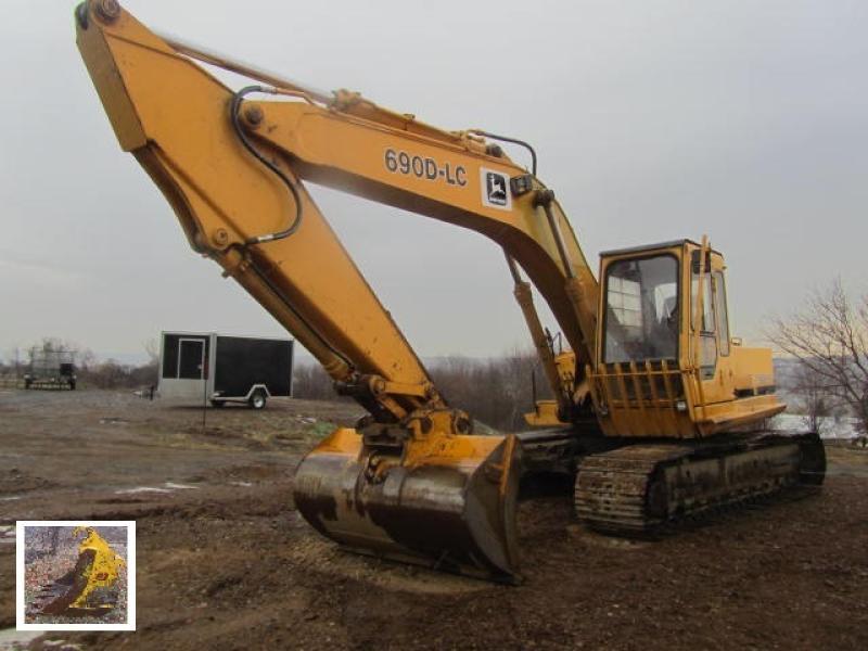 Excavatrice ( 9 à 19 tonnes) John Deere 690D LC 1987 En Vente chez EquipMtl