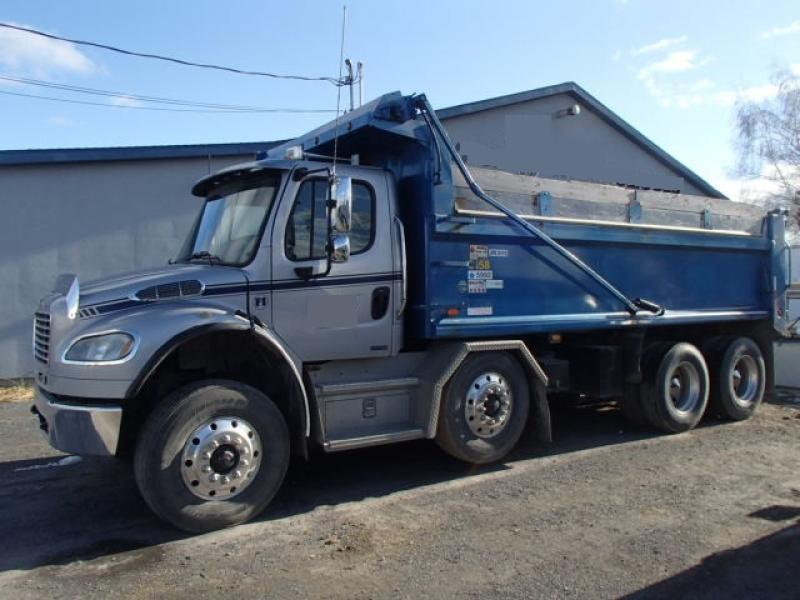 Camion dompeur 12 roues Freightliner M2 106 2011 En Vente chez EquipMtl