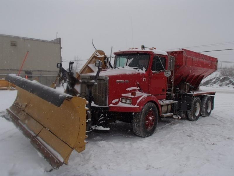 Camion à neige Western Star 4864S 1994 En Vente chez EquipMtl